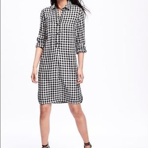 Old Navy White and Black Shirt-dress